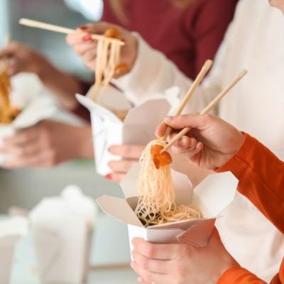 Cutii carton Paste Noodles 470cc albe - 0.44 lei / buc (500 buc/bax)